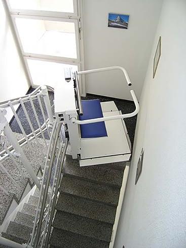 Bei Treppenliften im Stockwerkeigentum braucht es eine Abstimmung an der Eigentümerversammlung