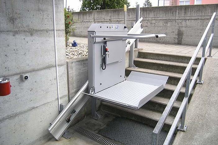 Plattform-Treppenlifte sind in der Schweiz ein bewährtes Mittel für barrierefreies Wohnen